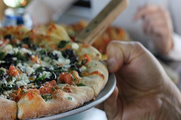 Pizza antitumore a Napoli, la ricetta che aiuta a prevenire il cancro