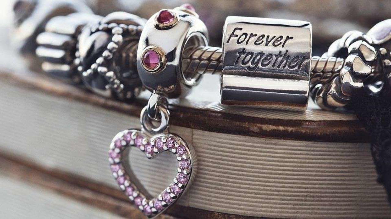Regalo Anniversario Matrimonio 7 Anni.Idee Regalo Per Un Anniversario Di Matrimonio